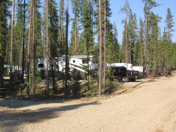 & Outwest Camping and RV Park - Alberta Campsites.com